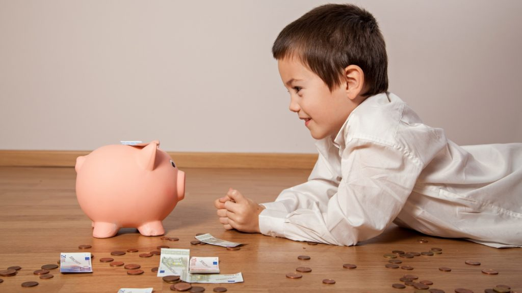 5-Fun-Ways-To-Teach-Your-Child-About-Responsibility-Earning-Pocket-money