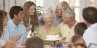 5 Unique Methods, How To Celebrate Your Parents' Anniversary